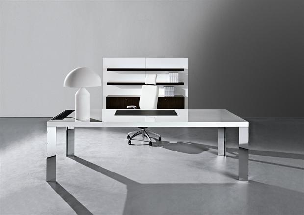 Cubico scrivania by nuova tecnocopy arredamento for Arredamento ufficio direzionale